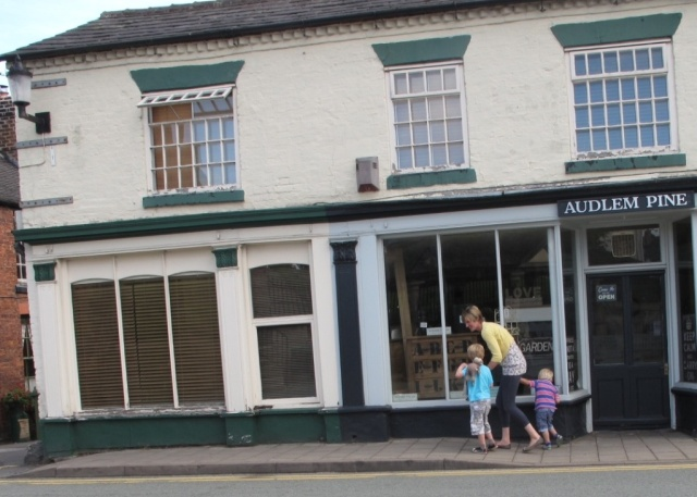summer people in Audlem