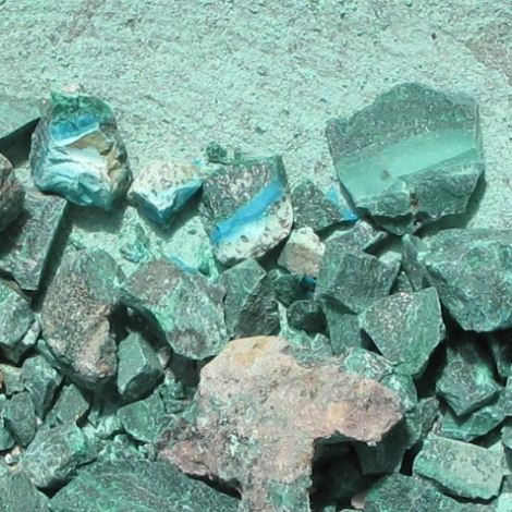 crushed malachite